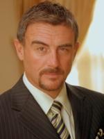 http://www.telenovella-bg.com/img/actors/fernando-carrera.jpg